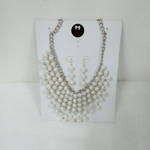 NWT Pearl Bib Statement Set